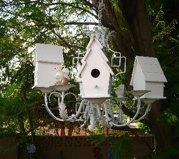 Chandelier Birdhouse & Feeding Station