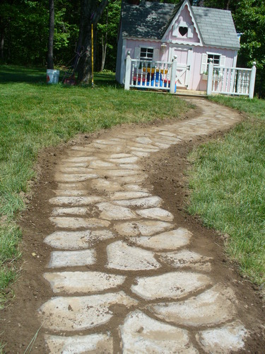 How to make a quikrete walkway or patio weed it reap for Walk maker ideas