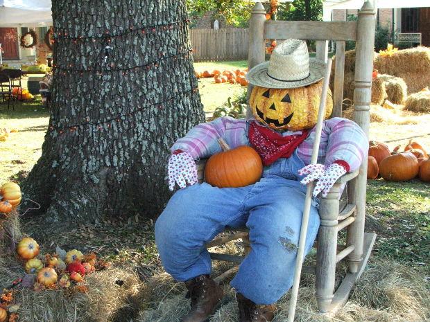 Fall Scarecrow Ideas | Free Gardening Tips | Free Gardening Help